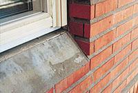 Bild 5:18. Ett mycket stadigt underlag för fönsterblecken. Foto: Torbjörn Osterling.