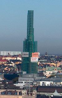 4:13. Branta tak kräver ställning vid omtäckning. Klara kyrka i Stockholm. Foto: Bo Selander.