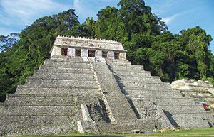 Bild 4:21. Även gamla inkapyramider behöver underhållas.  Foto: Torbjörn Osterling.