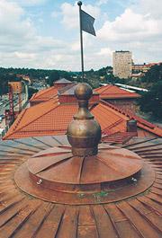 Bild 11:9. Öglor monterad på tornuppbyggnad.