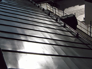 Bild 13:14. Platsmålad stålplåt. Foto: Leif Johansson, Renovator