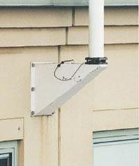 Bild 5:19. Flaggstänger behöver inte sitta på taket. Foto: Torbjörn Osterling.