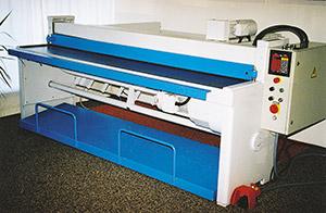 Bild 9:10. Maskingradsax för klippning av formatplåt. Foto: Osmo Kurki.
