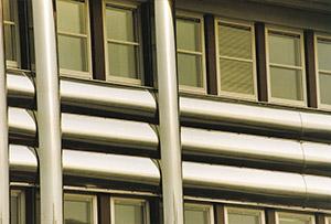Bild 10:4. Kassetter av rostfri stålplåt. Foto: Torbjörn Osterling